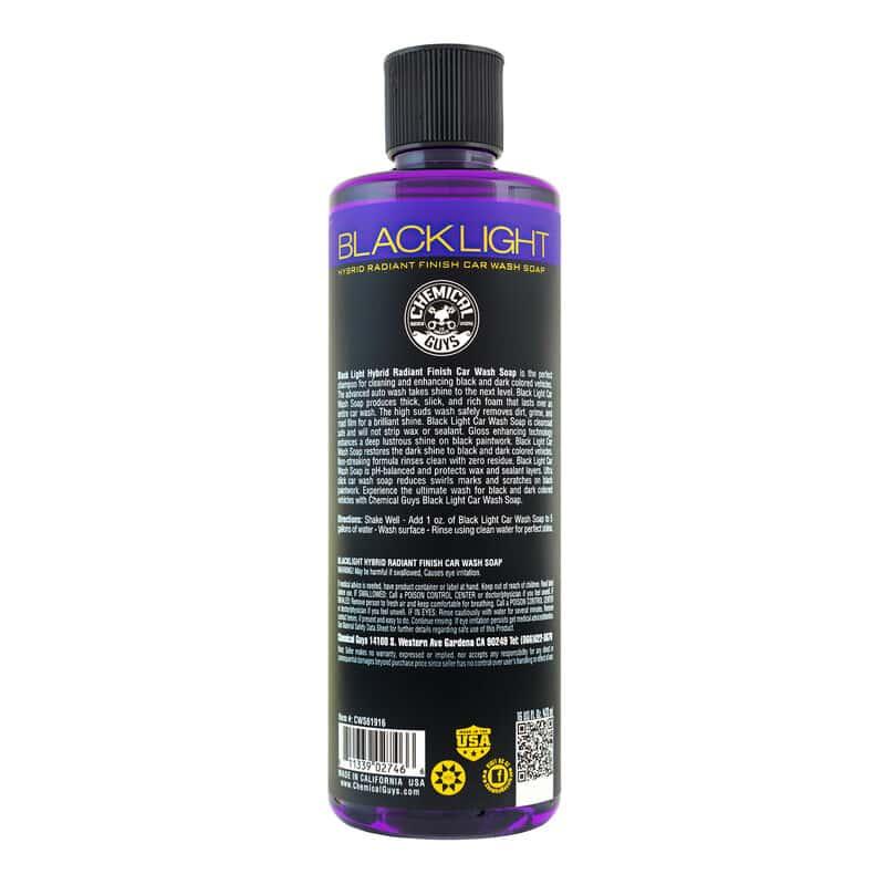 shampoing de lavage main voiture noire black light